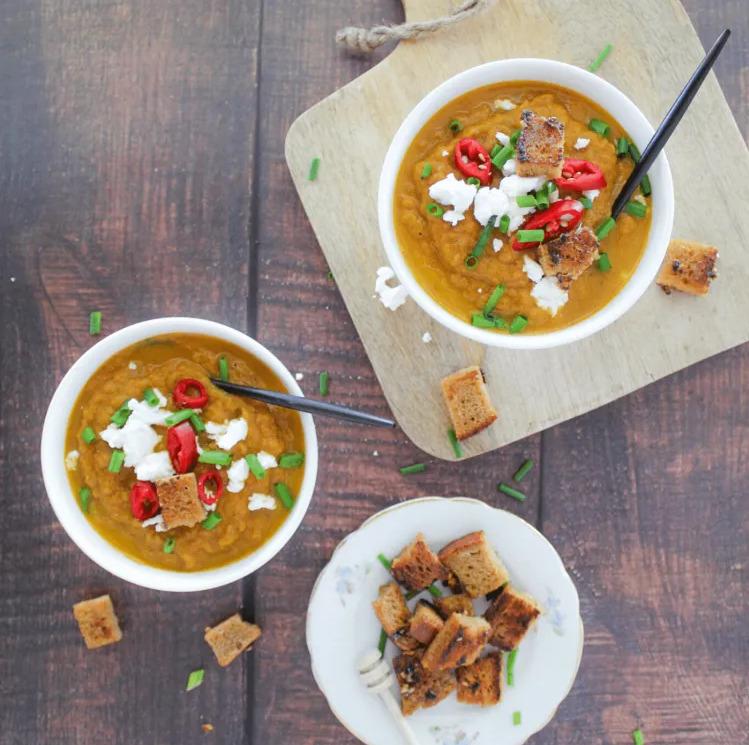 Recept van de maand: Glutenvrije wortelsoep met honing croutons.